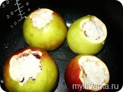 Фаршированные яблоки в мультиварке Redmond 4502
