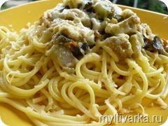 Соус для спагетти из овощей и морепродуктов в мультиварке