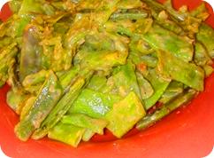 Стручковая фасоль в томатном соусе в мультиварке